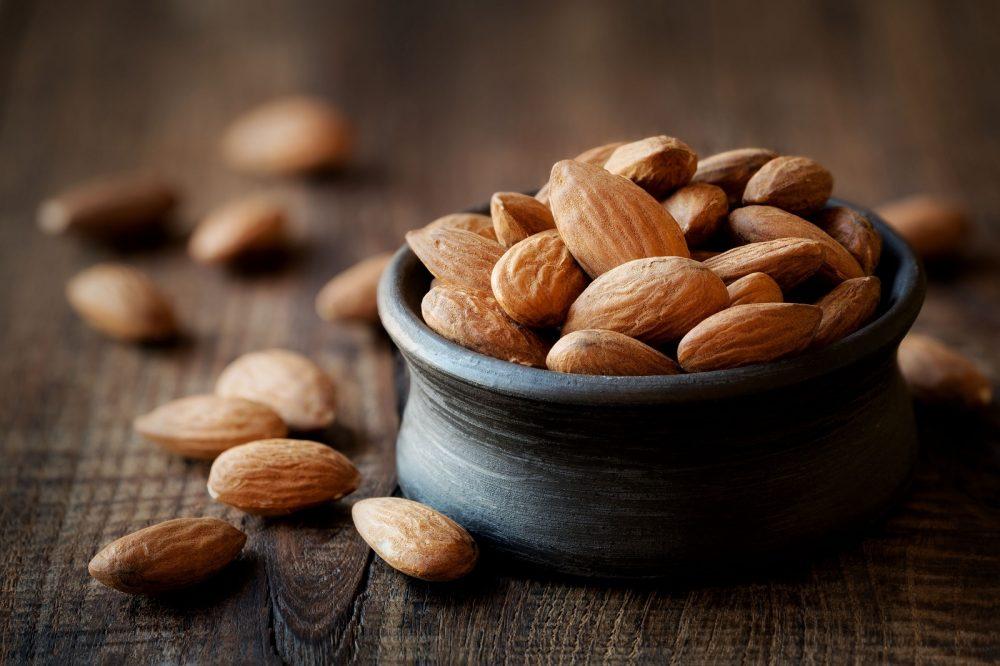 almonds nut type
