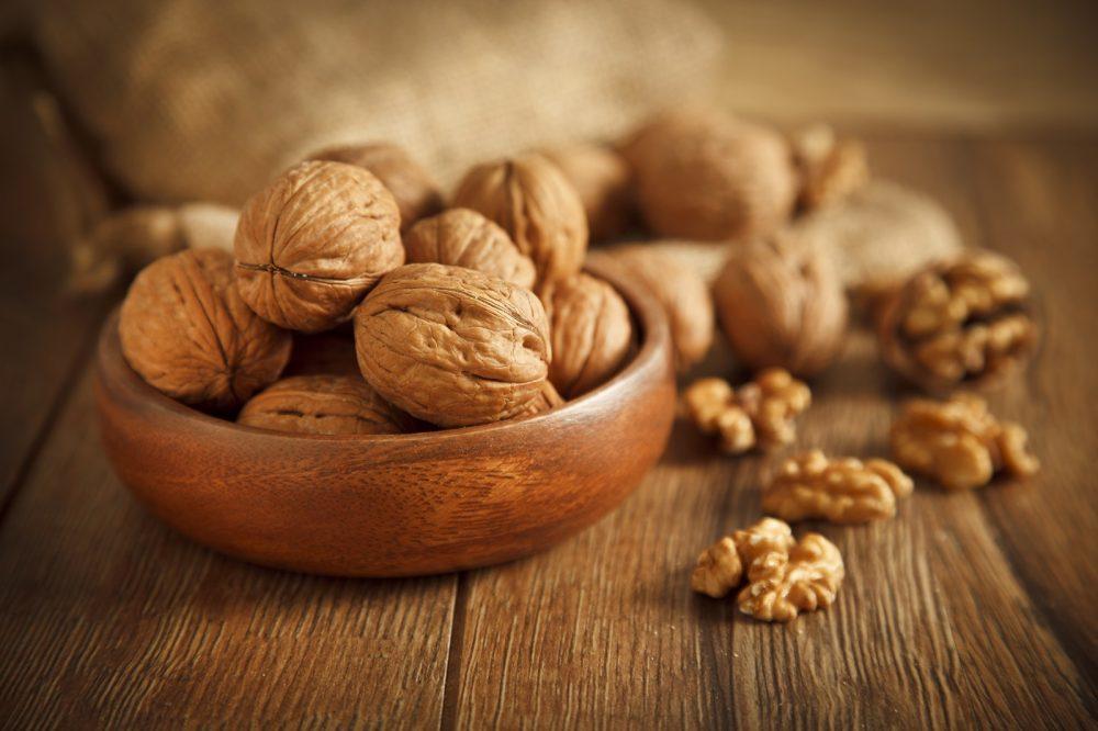 walnuts market